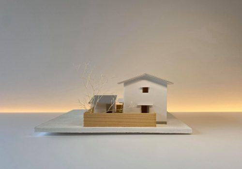 小屋のある家